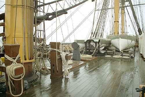 Pikes at mast